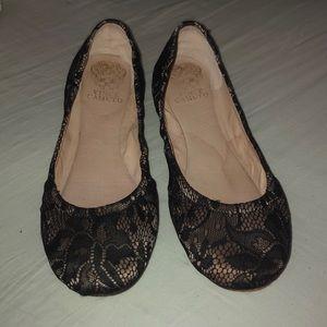 black/nude lace flats